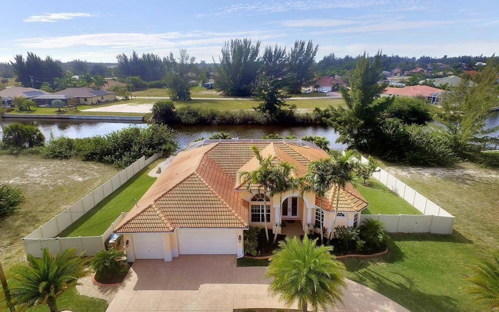 3230 SW 3rd Ln, Cape Coral - House For Sale 1197325058