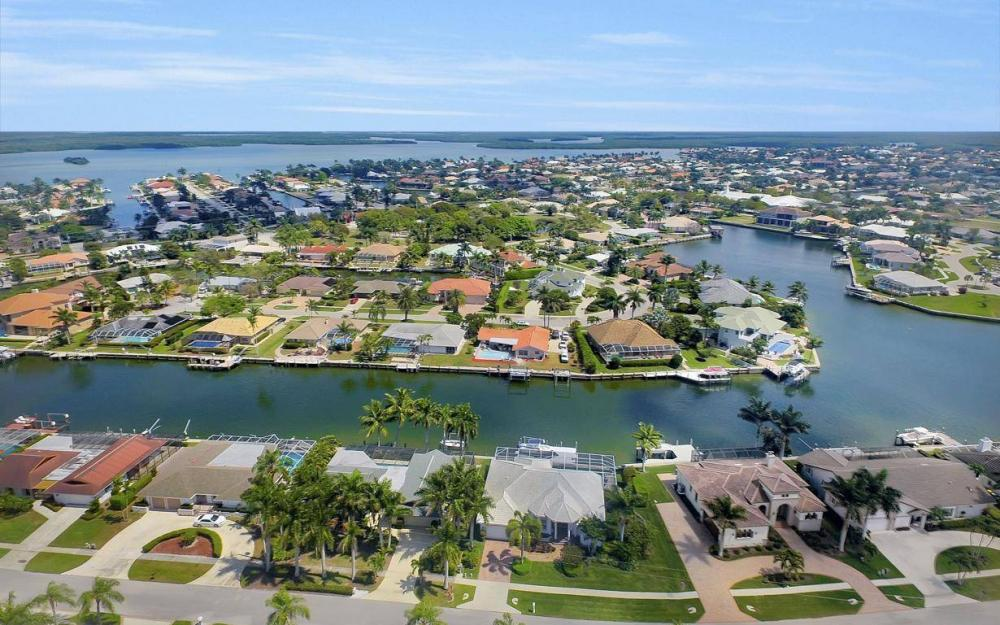 363 Nassau Ct, Marco Island - House For Sale 640852169