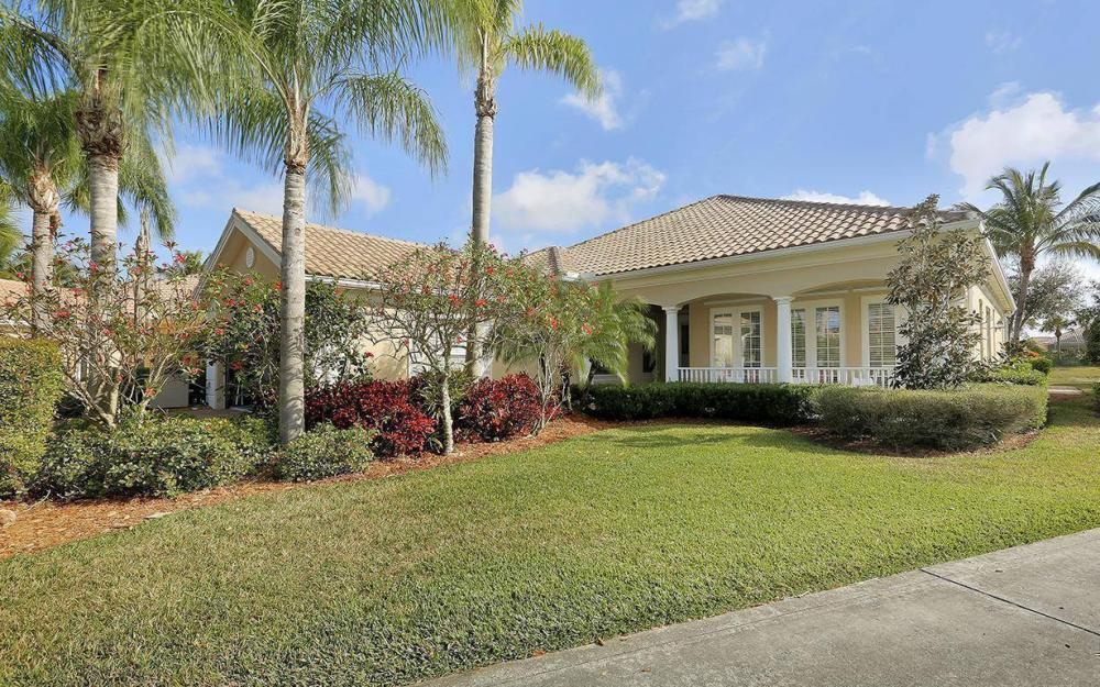 7354 Donatello Ct, Naples - House For Sale 702730040