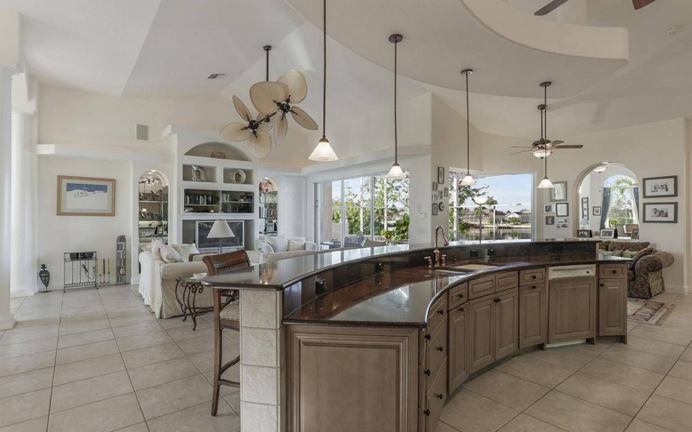 324 SW 33rd Ave, Cape Coral - House For Sale 252876499