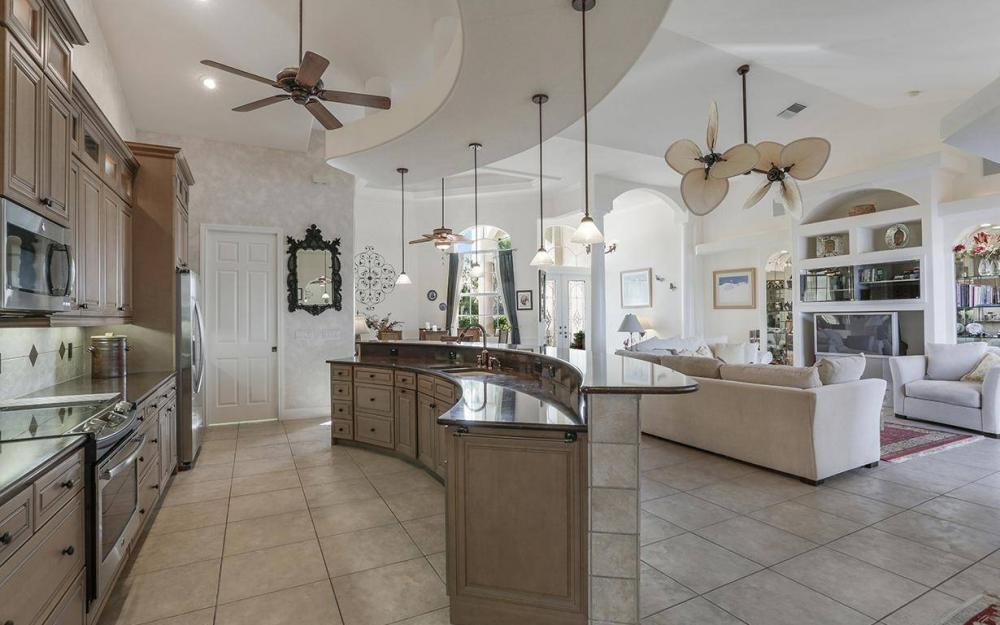 324 SW 33rd Ave, Cape Coral - House For Sale 2136804468