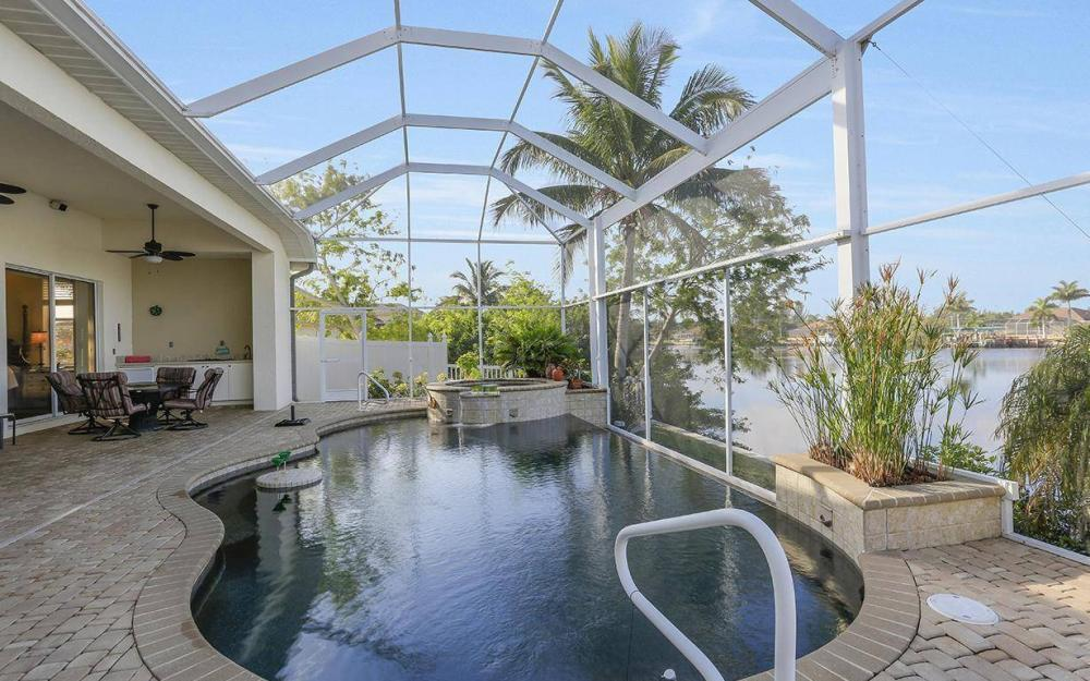 324 SW 33rd Ave, Cape Coral - House For Sale 2099264075