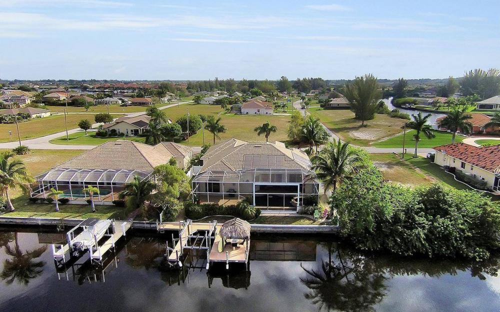324 SW 33rd Ave, Cape Coral - House For Sale 237814345
