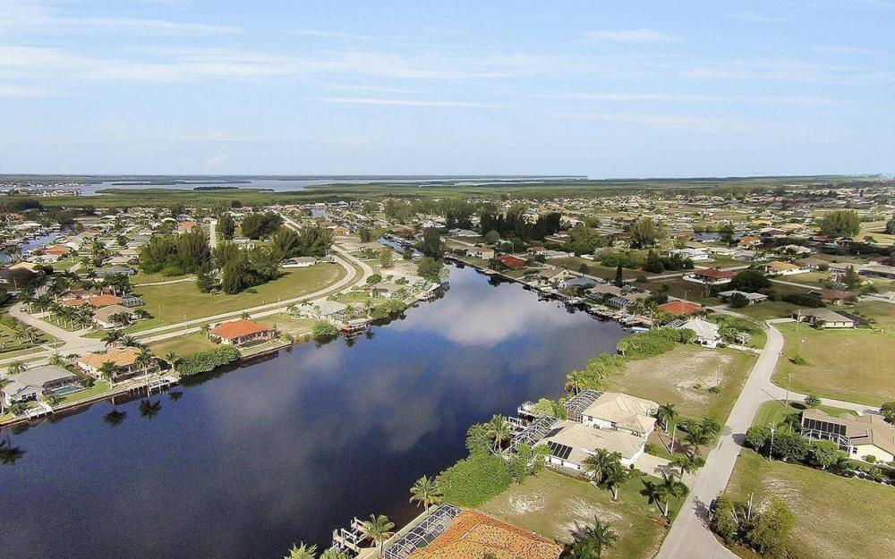324 SW 33rd Ave, Cape Coral - House For Sale 957828705
