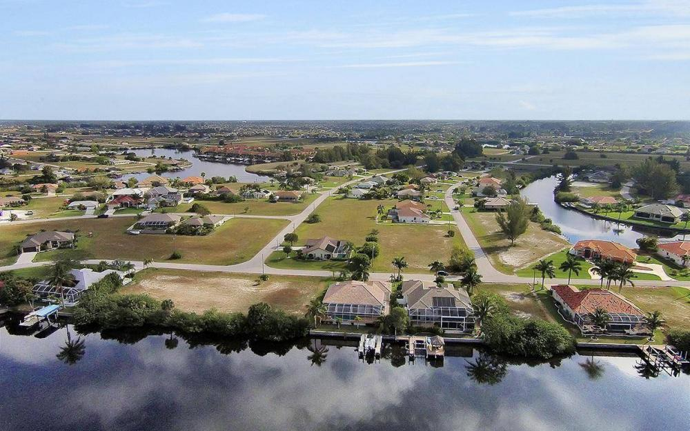 324 SW 33rd Ave, Cape Coral - House For Sale 346009787