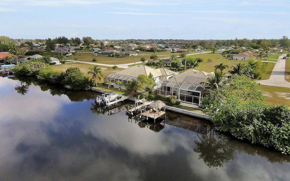 324 SW 33rd Ave, Cape Coral - House For Sale 360452105