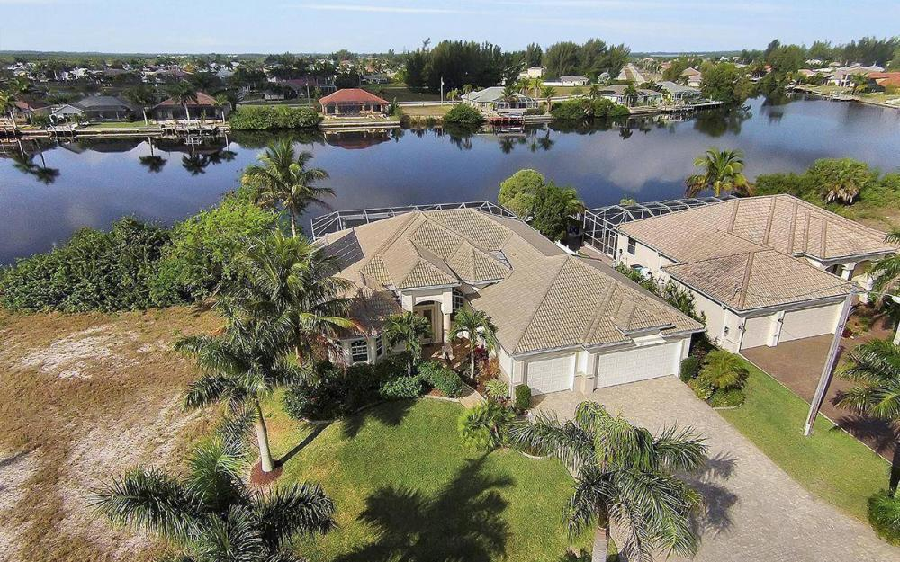 324 SW 33rd Ave, Cape Coral - House For Sale 405203105