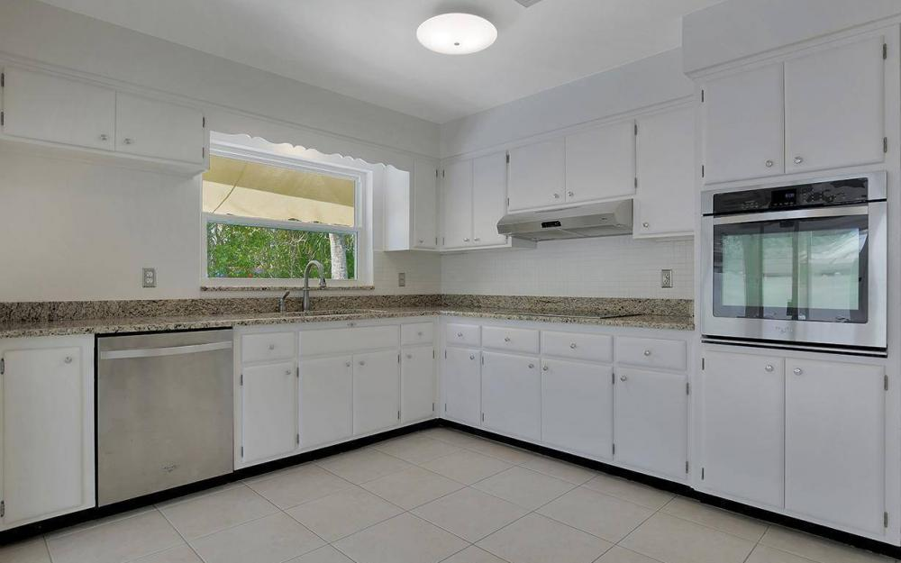 160 7th Ave N, Naples - House For Sale 384949509