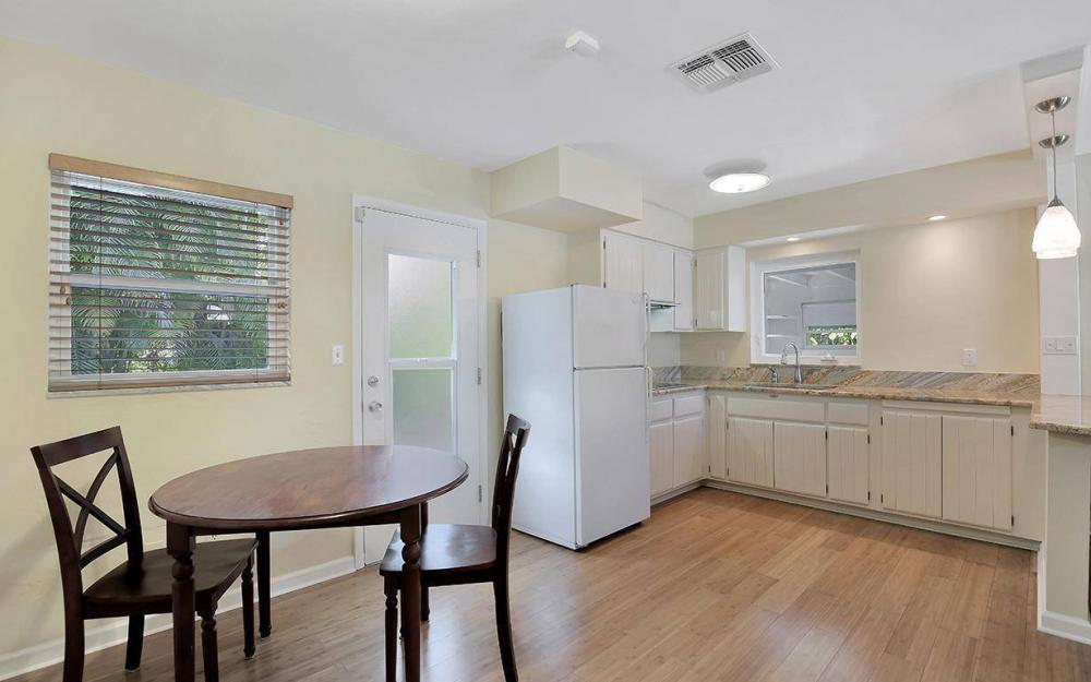 160 7th Ave N, Naples - House For Sale 447807734