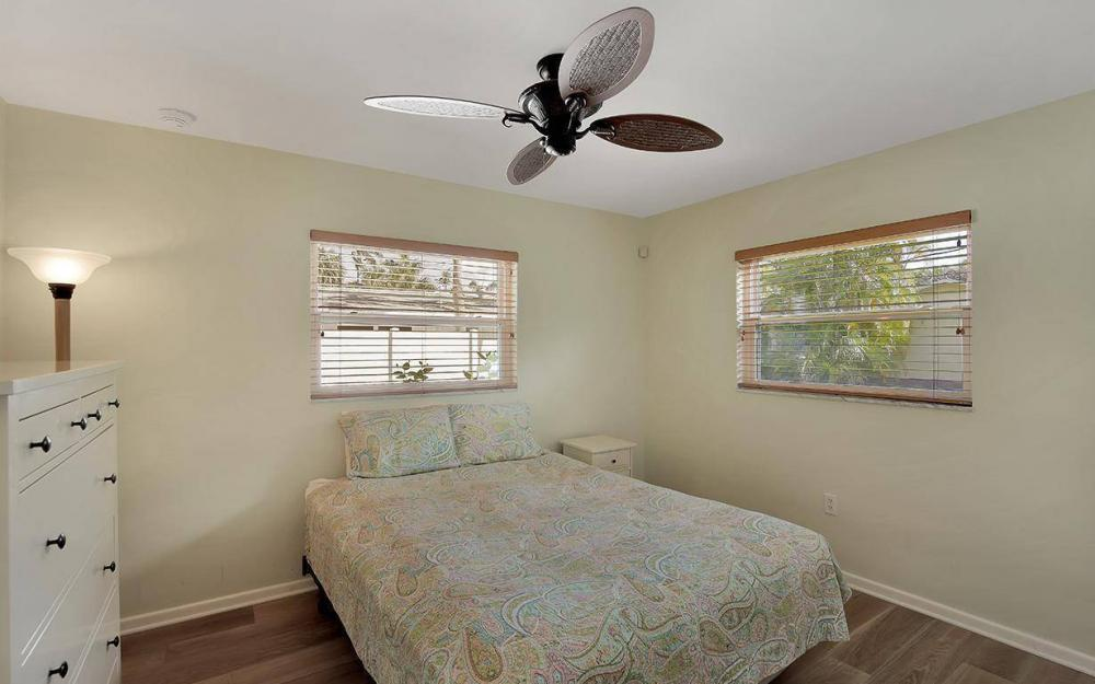 160 7th Ave N, Naples - House For Sale 774488446