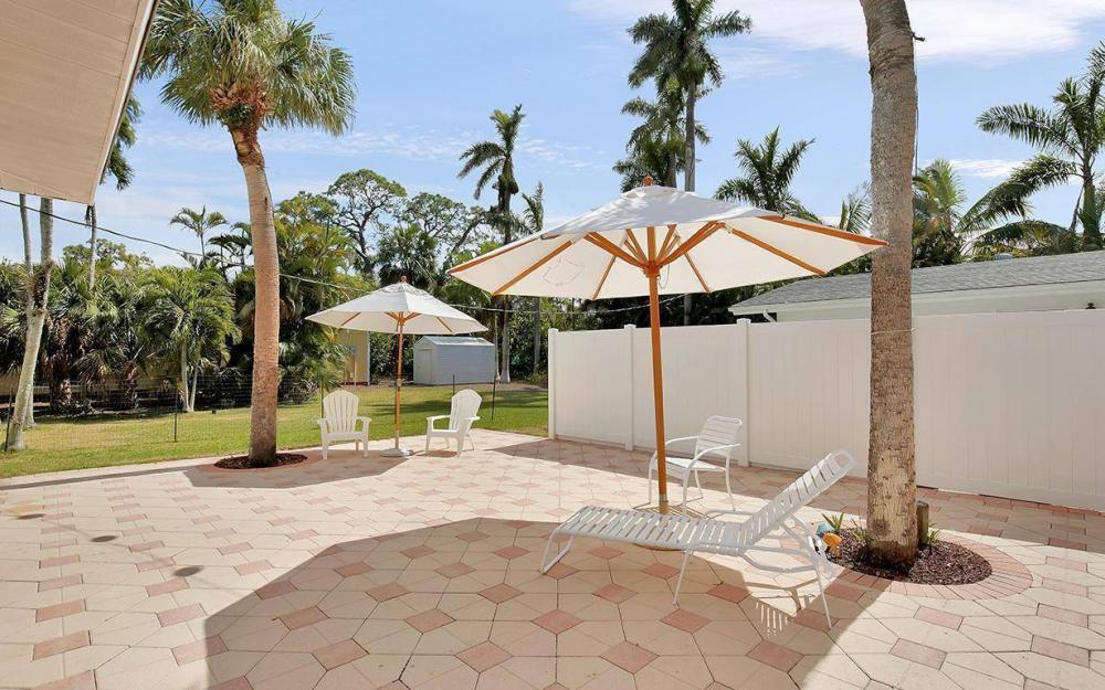 160 7th Ave N, Naples - House For Sale 87460723