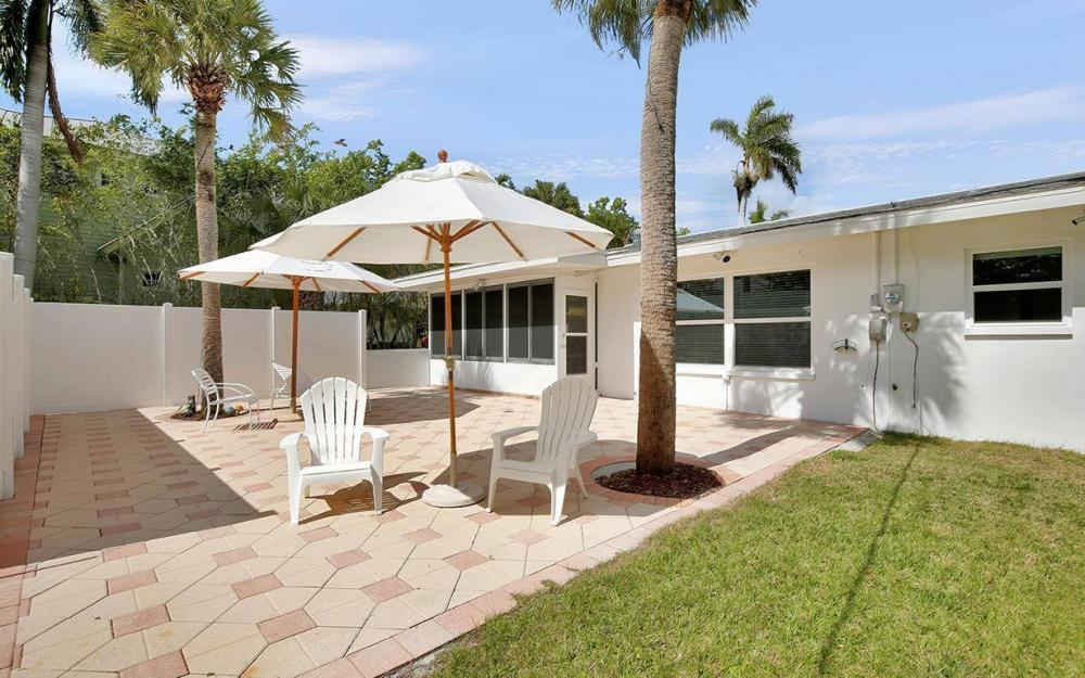 160 7th Ave N, Naples - House For Sale 2024345336