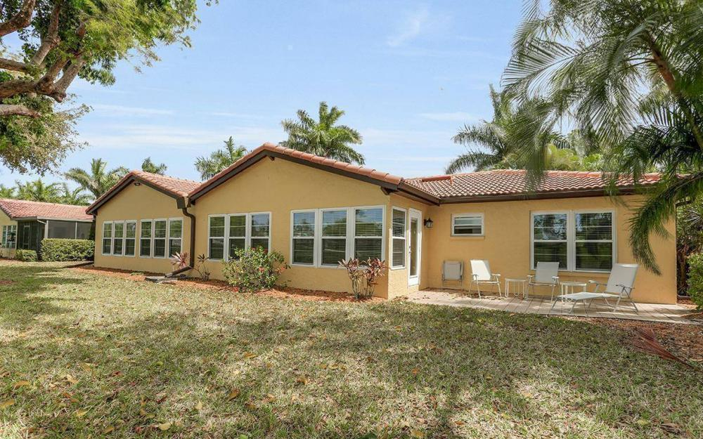 1036 Forest Lakes Dr, Naples - House For Sale 367206287