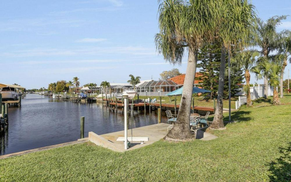 1907 Palaco Grande Pkwy, Cape Coral - House For Sale 969737941