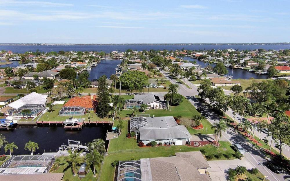 1907 Palaco Grande Pkwy, Cape Coral - House For Sale 1230252419