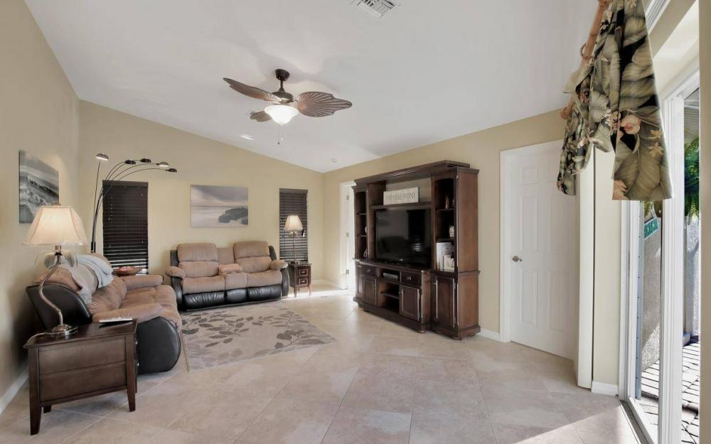 11962 Royal Tee Cir, Cape Coral - House For Sale 2085895169