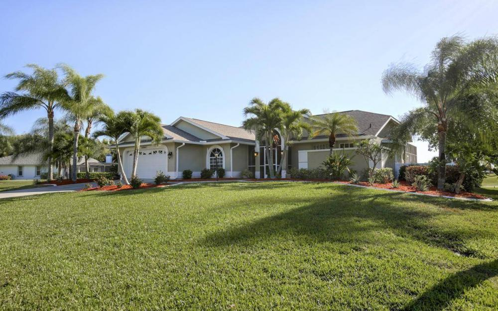 11962 Royal Tee Cir, Cape Coral - House For Sale 1741844628