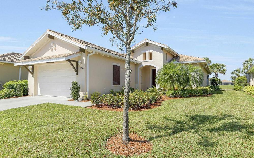 10508 Carena Cir, Fort Myers - House For Sale 122431400