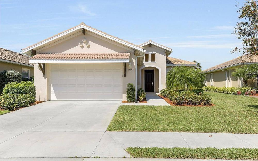 10508 Carena Cir, Fort Myers - House For Sale 187833036