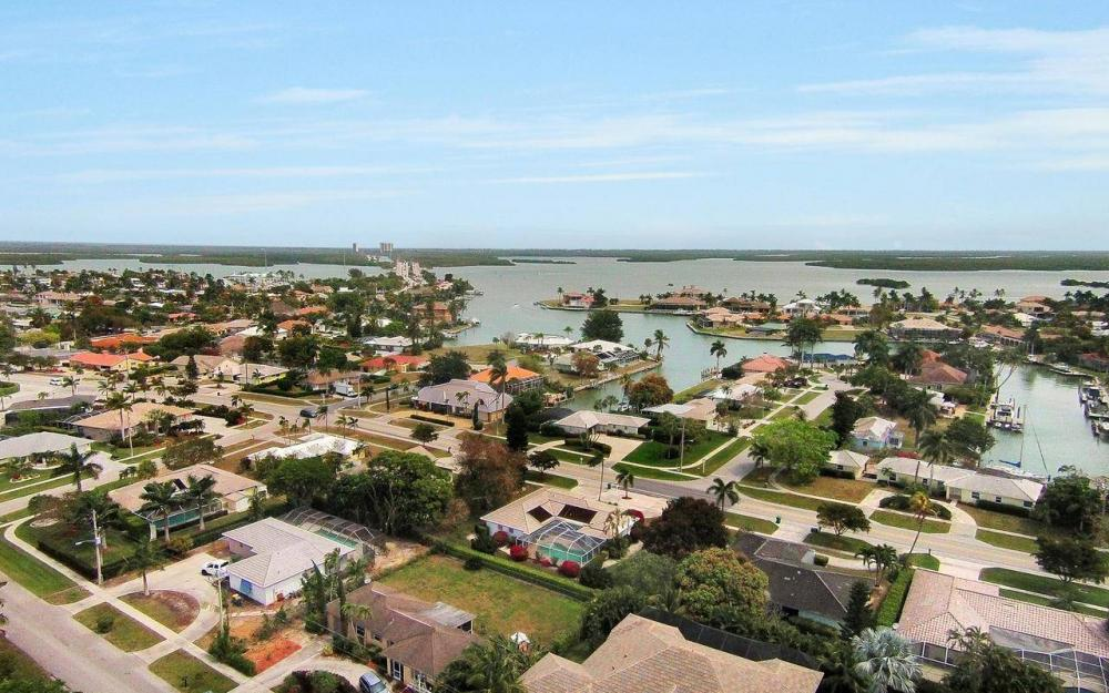 650 N Barfield Dr, Marco Island - House For Sale 1150068967