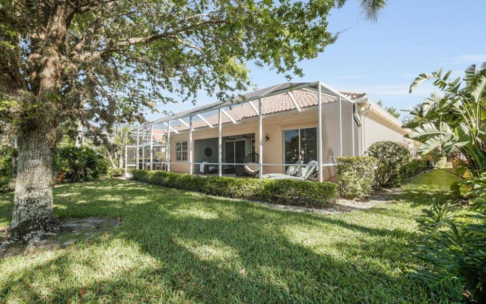 3933 Upolo Ln, Naples - House For Sale 775605201