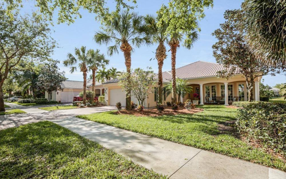 3933 Upolo Ln, Naples - House For Sale 1390077128