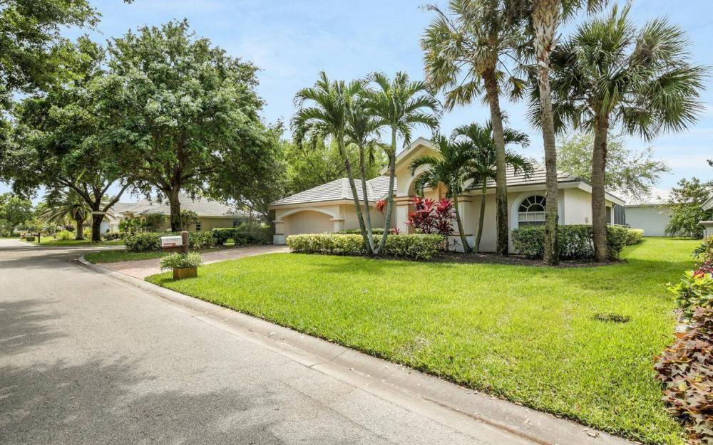 11990 Wedge Dr, Fort Myers - House For Sale 1908257136
