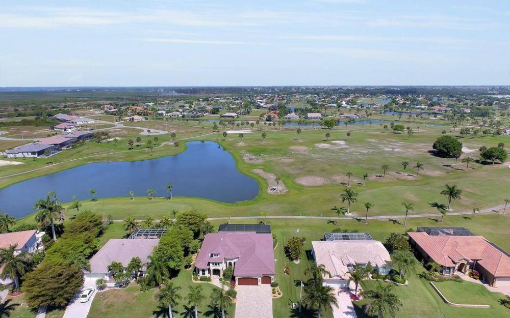 11729 Lady Anne Cir, Cape Coral - House For Sale 2136257375