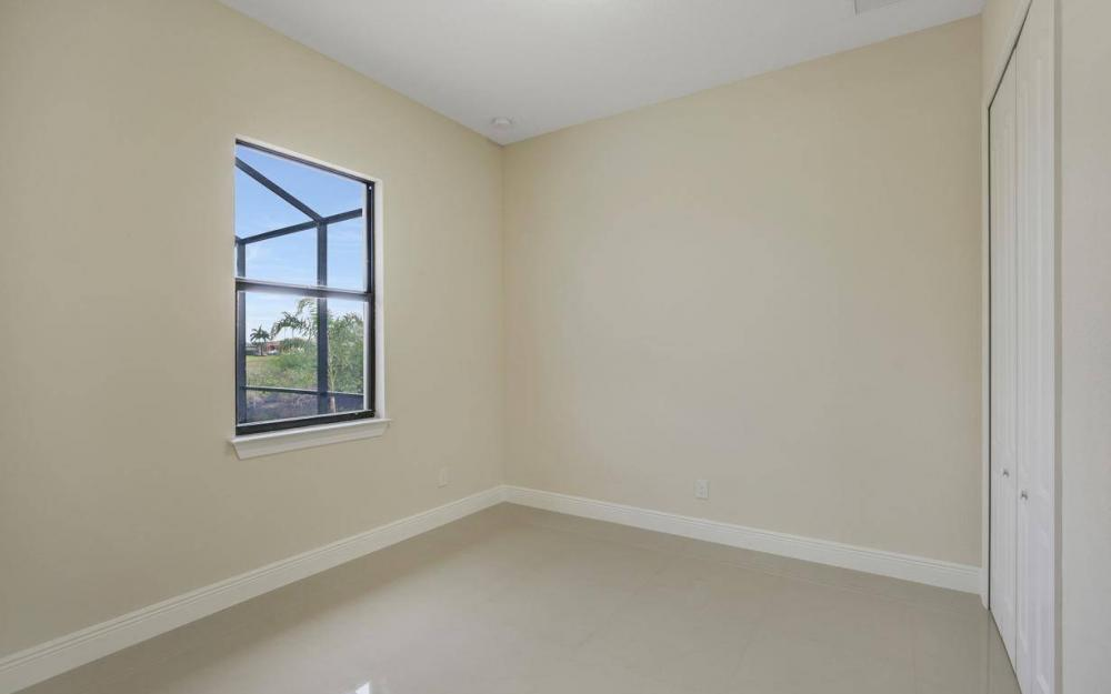 412 NW 32nd Pl, Cape Coral - House For Sale 1148463377