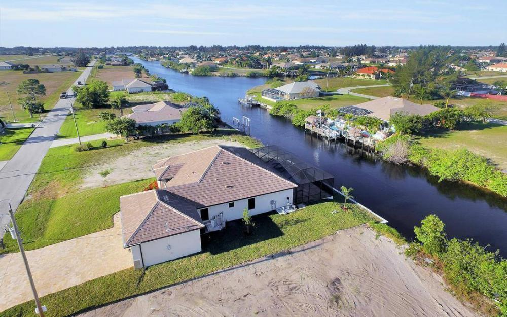 412 NW 32nd Pl, Cape Coral - House For Sale 2087463353