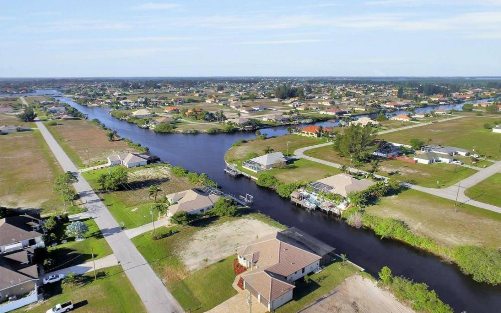 412 NW 32nd Pl, Cape Coral - House For Sale 1378544295
