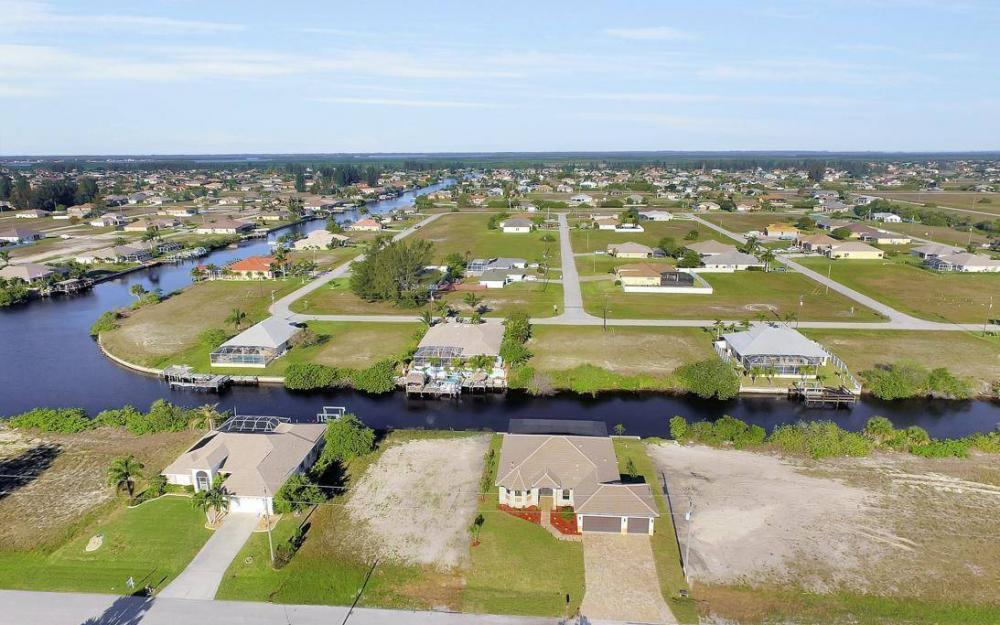 412 NW 32nd Pl, Cape Coral - House For Sale 473608372