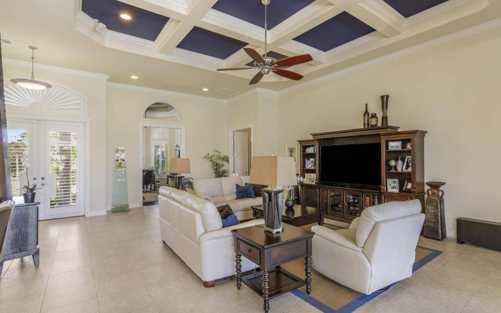 668 Thrush Ct, Marco Island - House For Sale 1807808943