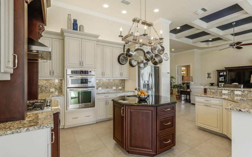 668 Thrush Ct, Marco Island - House For Sale 1110638004