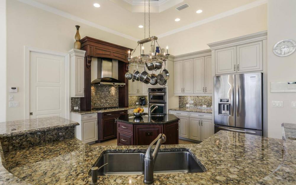 668 Thrush Ct, Marco Island - House For Sale 687082609