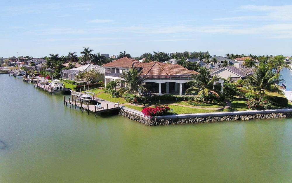 668 Thrush Ct, Marco Island - House For Sale 1101062202