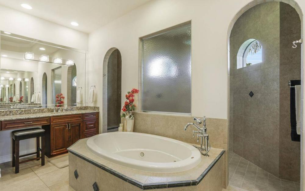 668 Thrush Ct, Marco Island - House For Sale 1829806397