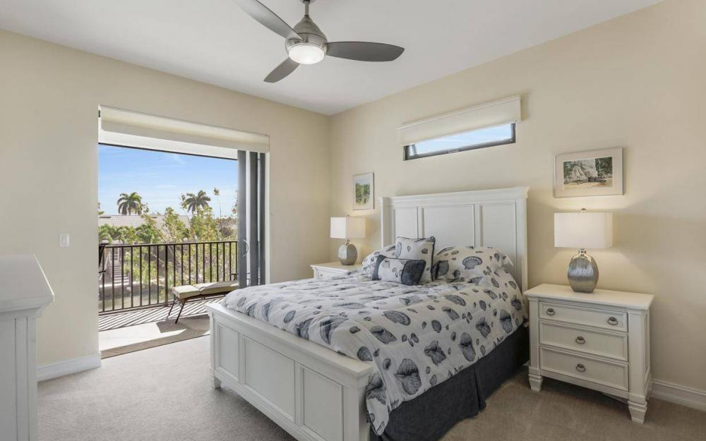 668 Thrush Ct, Marco Island - House For Sale 878638669