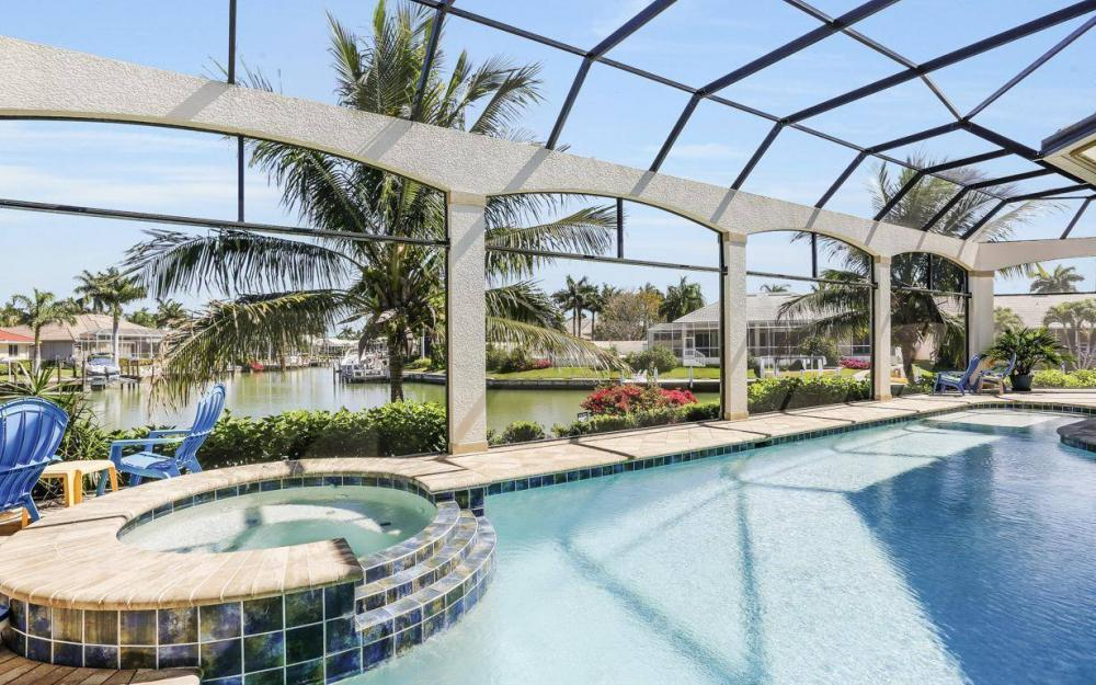 668 Thrush Ct, Marco Island - House For Sale 1926700993