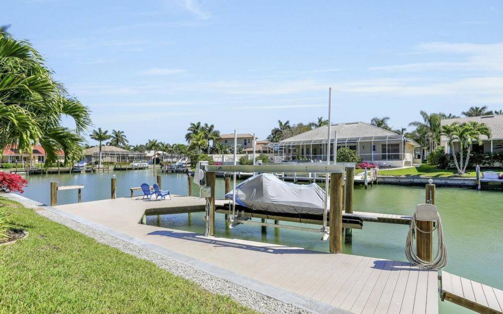668 Thrush Ct, Marco Island - House For Sale 745928815