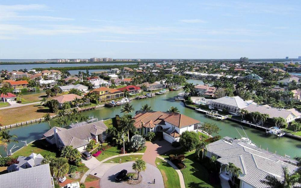 668 Thrush Ct, Marco Island - House For Sale 860992782