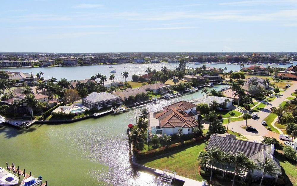 668 Thrush Ct, Marco Island - House For Sale 711748712