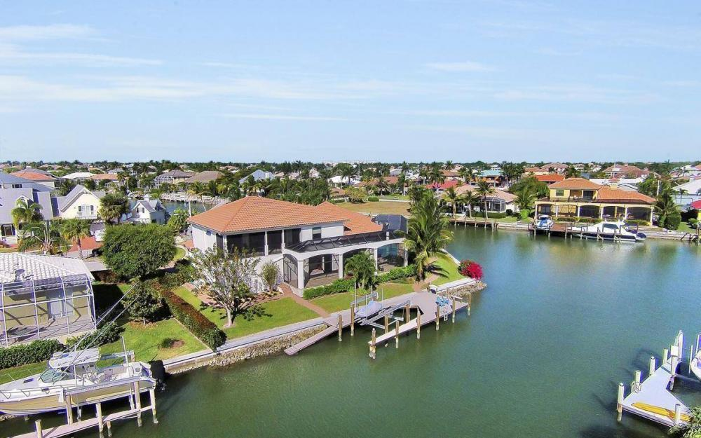 668 Thrush Ct, Marco Island - House For Sale 1571363755