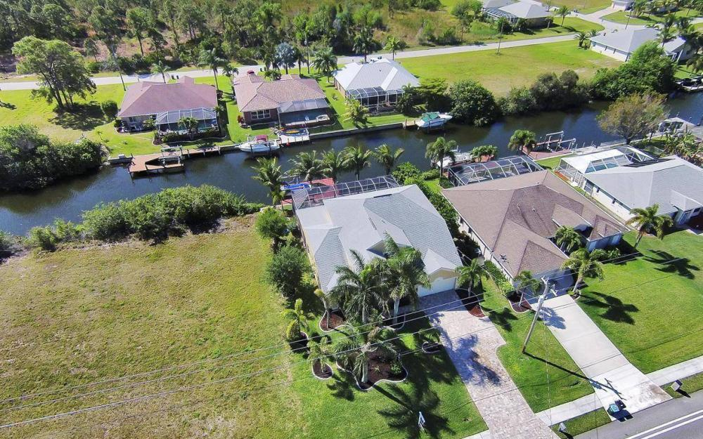 2616 Surfside Blvd, Cape Coral - House For Sale 478951972