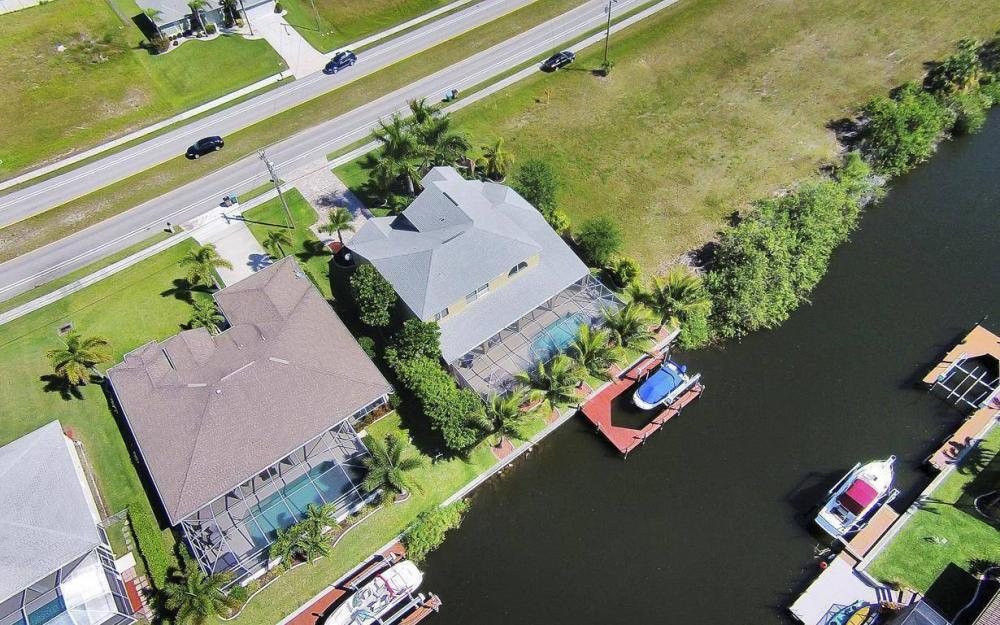 2616 Surfside Blvd, Cape Coral - House For Sale 1078080990