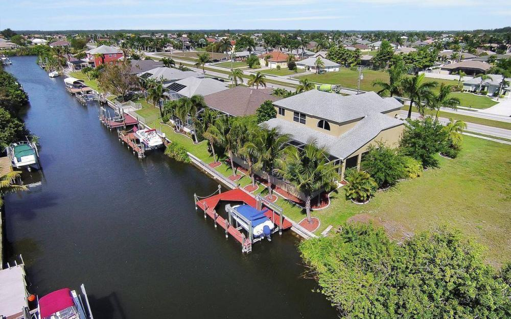 2616 Surfside Blvd, Cape Coral - House For Sale 336223086