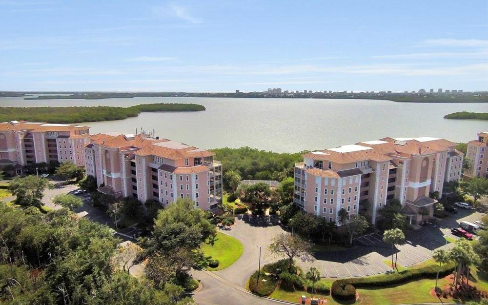 269 Vintage Bay Dr #25, Marco Island - Condo For Sale 40731172
