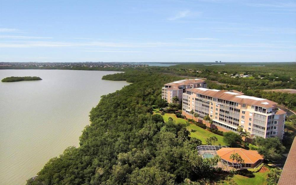 269 Vintage Bay Dr #25, Marco Island - Condo For Sale 706868809