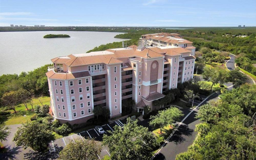 269 Vintage Bay Dr #25, Marco Island - Condo For Sale 1669970746
