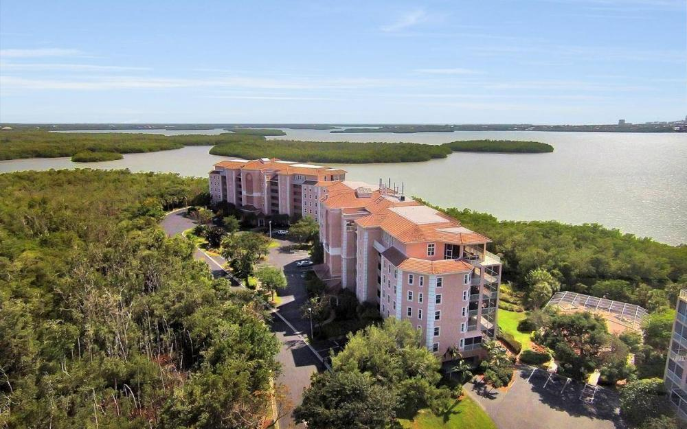 269 Vintage Bay Dr #25, Marco Island - Condo For Sale 1720975574